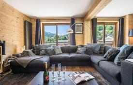 5 bedroom villas and houses to rent in Meribel. Renovated chalet in Meribel, France. House with a home cinema and a sauna, at 150 meters from the slopes
