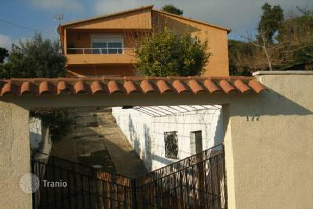 Foreclosed 5 bedroom houses for sale in Sant Cebrià de Vallalta. Villa – Sant Cebrià de Vallalta, Catalonia, Spain