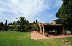 5 bedroom villas and houses by the sea to rent in Catalonia. Villa – Blanes, Catalonia, Spain