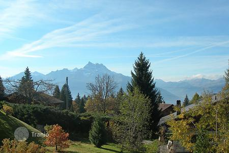 Residential to rent in Vaud. Detached house – Vuarrens, Vaud, Switzerland