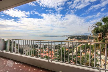Property for sale in Mont Boron. Apartment with panoramic views of the sea and the port of Nice