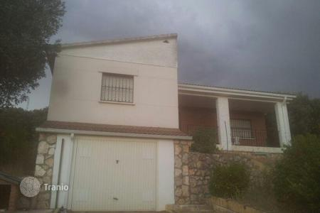 Cheap property for sale in Fuentenovilla. Villa – Fuentenovilla, Castille La Mancha, Spain