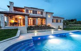 4 bedroom houses for sale in Pula. Luxury villa with pool in Pula