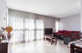 Three-bedroom apartment with a loggia in the Sant Marti area, Barcelona, Spain for 235,000 €