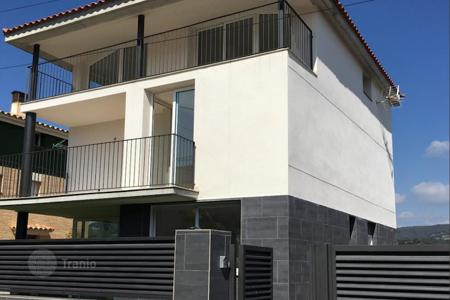 3 bedroom houses by the sea for sale in Catalonia. Villa – Canet de Mar, Catalonia, Spain