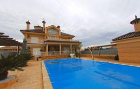 5 bedroom houses for sale in Spain. Villa – Torrevieja, Valencia, Spain