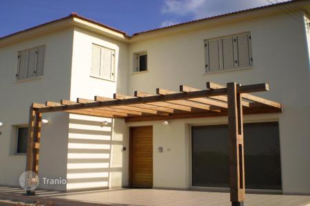4 bedroom villas and houses by the sea to rent in Paralimni. Villa – Paralimni, Famagusta, Cyprus