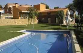 Luxury houses with pools for sale in Costa Dorada. Townhome – Tarragona, Catalonia, Spain