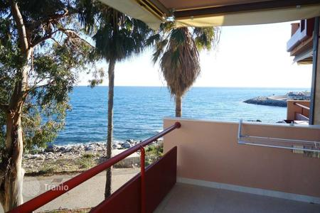 Apartments with pools by the sea for sale in Sanremo. Sanremo apartment facing the sea for sale