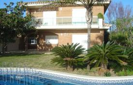 4 bedroom houses by the sea for sale in Costa Dorada. Villa – L'Ametlla de Mar, Catalonia, Spain