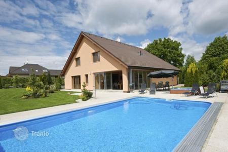 Houses with pools for sale in Central Bohemia. Detached house – Sulice, Central Bohemia, Czech Republic