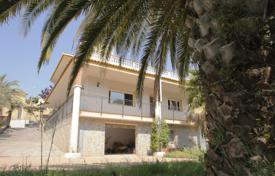 5 bedroom houses for sale in Catalonia. Beautiful house in Los Pinares