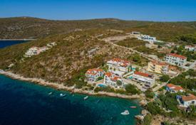 Property for sale in Solta. Plot for the construction of a villa, 75 meters from the sea, Maslinica, Croatia