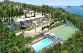 Houses with pools by the sea for sale in Villefranche-sur-Mer. FOR SALE BEAUTIFUL NEW CONTEMPORY HOUSE IN THE FABULOUS BAY ST JEAN CAP FERRAT