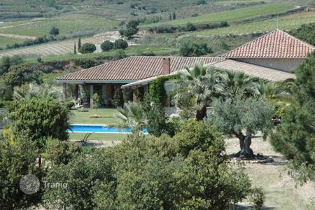 Luxury houses with pools for sale in Catalonia. Spacious house with sea view, Teia, Spain