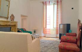 4 bedroom apartments for sale in Tuscany. Renovated bright apartment in Florence, Tuscany, Italy