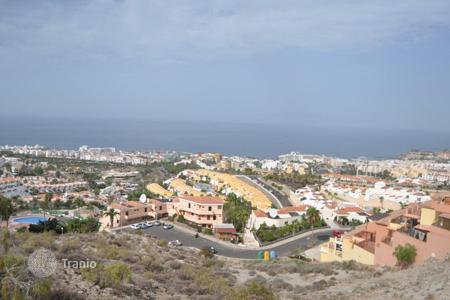 Land for sale in Canary Islands. Plot with an area of 1300 m², in a luxury area of Costa Adeje, Tenerife, Spain