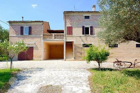 Houses for sale in Treia. Detached house – Treia, Marche, Italy