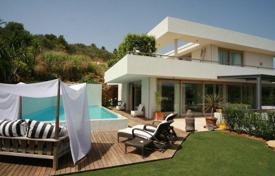 Luxury 5 bedroom houses for sale in Castille and Leon. Very contemporary villa with the latest technology