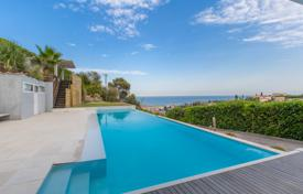 3 bedroom houses for sale in France. Californian Villa with panoramic sea view and infinity pool