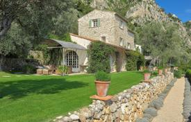 Property to rent in Beaulieu-sur-Mer. Beautiful Mas Provencal Beaulieu sur Mer