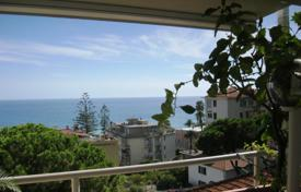 Coastal apartments for sale in Italy. Apartment – Sanremo, Liguria, Italy