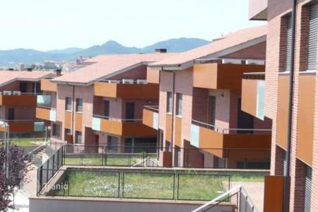 5 bedroom apartments for sale in Catalonia. New house in a small complex with swimming pool in Mataro, Spain