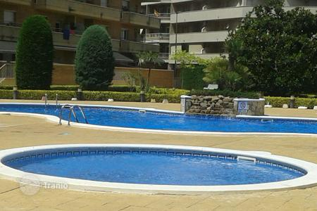 Cheap apartments with pools for sale in Blanes. For sale fantastic flat in Blanes, of 1 bedroom bedroom and a LOVELY TERRACE!