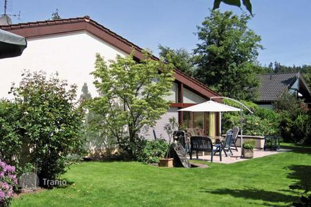 5 bedroom houses for sale in Baden-Baden. Two-storey house with a garden and a large plot in a quiet area of Baden-Baden