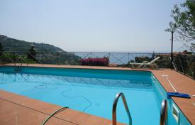 Houses with pools for sale in Liguria. Sea view villa for sale in Ospedaletti