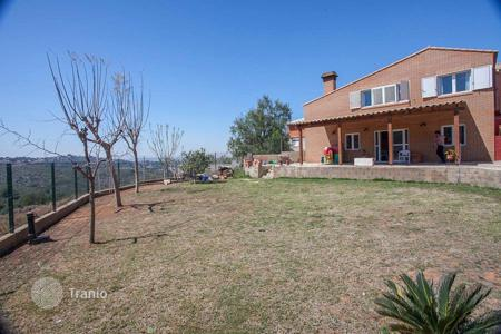 3 bedroom houses for sale in Chiva. Villa – Chiva, Valencia, Spain