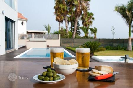 4 bedroom villas and houses to rent in Gran Canaria. Villa – Gran Canaria, Canary Islands, Spain