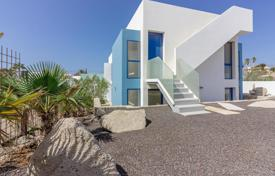 Property for sale in El Médano. Villa – El Médano, Canary Islands, Spain