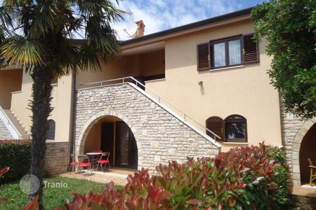Houses with pools for sale in Porec. Townhome – Porec, Istria County, Croatia