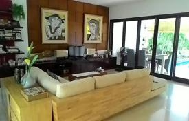 Property for sale in Kerobokan. Two-storey furnished villa with a garden, a swimming pool and a parking in a quiet area, Kerobokan, Bali