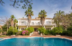 Luxury 4 bedroom houses for sale in Marbella. Majestic Villa in Nagüeles