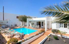 Villa – Lanzarote, Canary Islands, Spain for 3,850 € per week