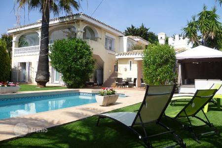 Property to rent in Malaga. Villa – Malaga, Andalusia, Spain