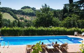 Residential to rent in Marche. Villa Cesolo