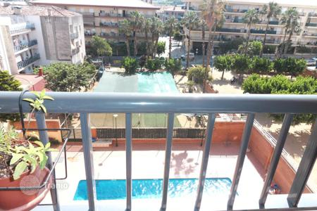 Cheap 3 bedroom apartments for sale in Catalonia. Apartment – Calella, Catalonia, Spain