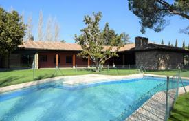 Residential for sale in Madrid. Villa with swimming pool, a garden, a tennis court and a cellar, Pozuelo de Alarcon, Spain