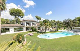 6 bedroom houses for sale in La Colle-sur-Loup. Close to Saint-Paul de Vence — Very saught-after area