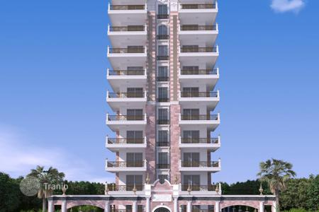 New home from developers for sale overseas. Apartments in a luxury complex on the beach in Mahmutlar
