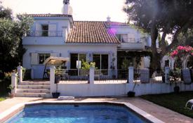 Property for sale in Castille and Leon. A ZONE — Villa near the beach in Lower Sotogrande