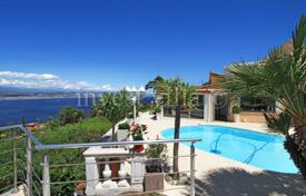 Coastal residential for rent in Côte d'Azur (French Riviera). Villa – Theoule-sur-Mer, Côte d'Azur (French Riviera), France