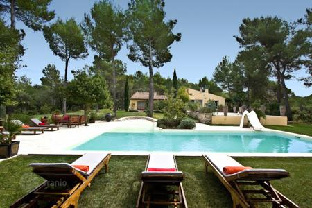 Residential to rent in Pertuis. Villa – Pertuis, Provence - Alpes - Cote d'Azur, France