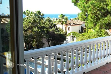 2 bedroom houses for sale in Andalusia. Quality Villa — Marbesa