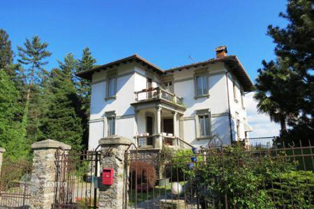 3 bedroom houses for sale in Maggiore (Italy). Villa – Premeno, Piedmont, Italy