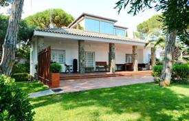 Luxury residential for sale in Costa del Garraf. Villa – Castelldefels, Catalonia, Spain