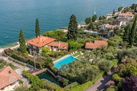 Luxury houses for sale in Brenzone sul Garda. Villa – Brenzone sul Garda, Veneto, Italy